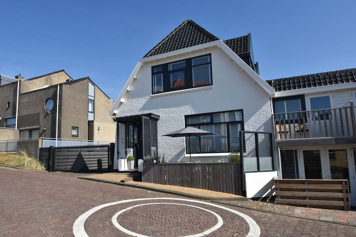 Cozy Apartment in Bergen aan Zee near Beach