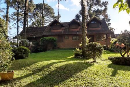 Casa Completa,Canela/Gramado /1600m2 muito verde!