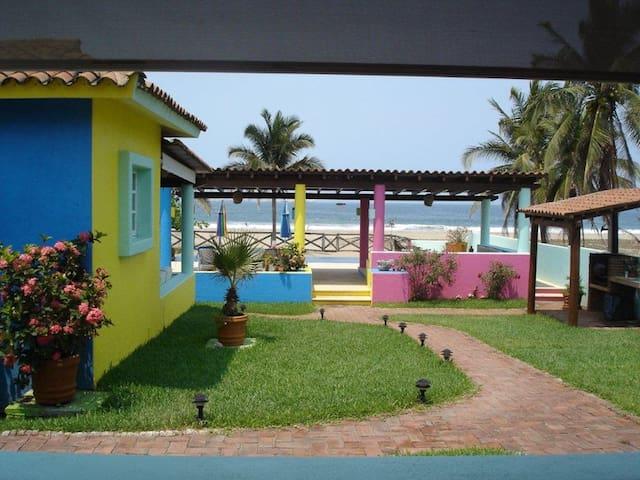 Unico, Relajante y Espiritual - Playa Blanca - Bungalo