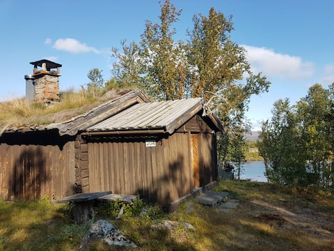Cozy cabin in the middle of Jotunheimen