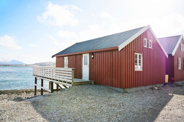 Rorbu med nydelig utsikt midt i Lofoten - Leknes - 小木屋