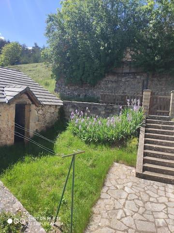 Maison indépendante sur le Causse de Sauveterre