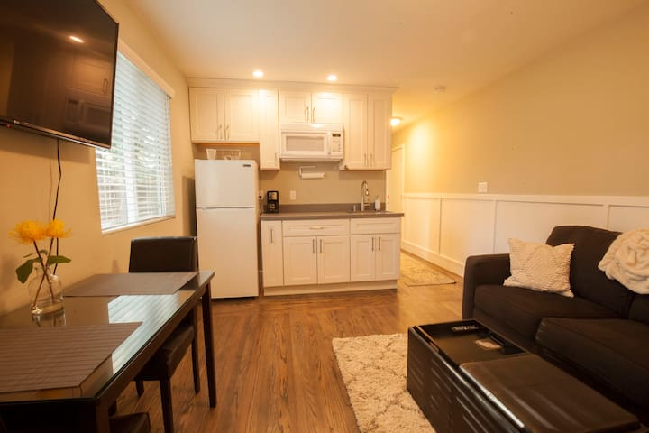 Walnut Creek One Bedroom Apartment
