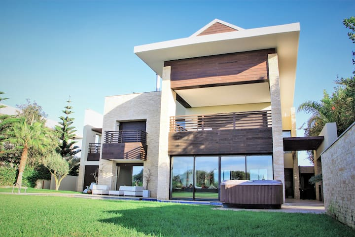 Villa Mazagan de 1'000m2 habitables
