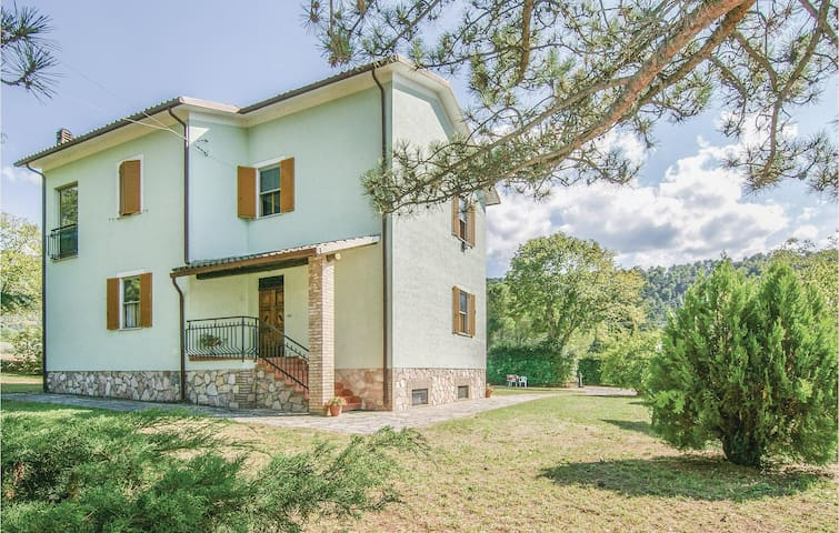 Holiday cottage with 3 bedrooms on 100 m² in Spoleto -PG-
