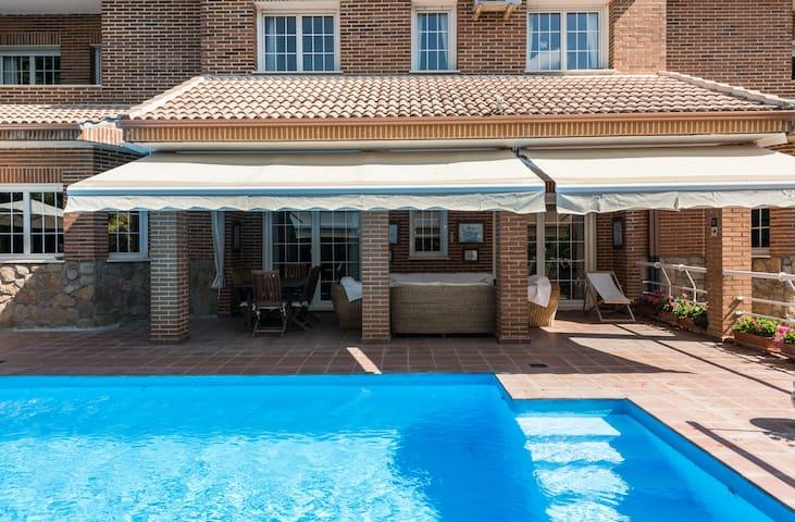 Large luxury house near Madrid