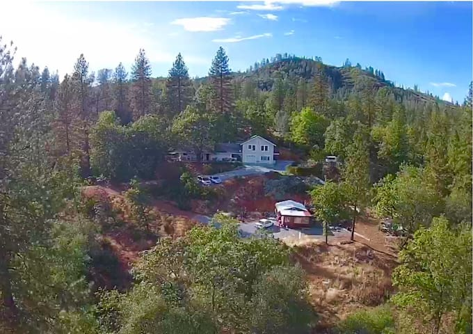 Mountain House with Picturesque Views - Shasta Lake - บ้าน