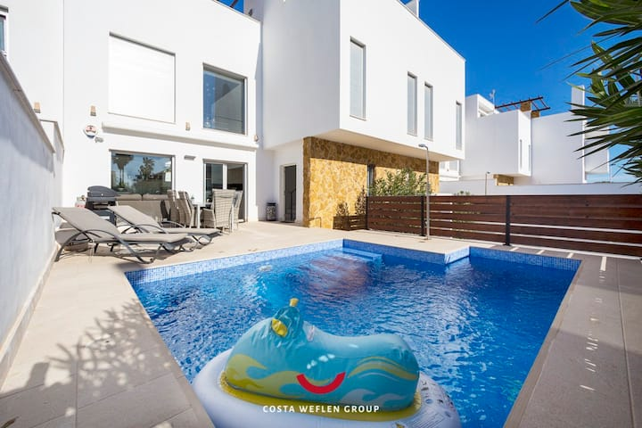 Perfect property for families with private pool