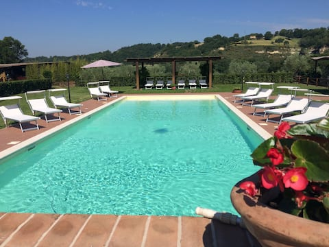 COUNTRY APARTMENT+POOL+HORSE RIDING SCHOOL.S