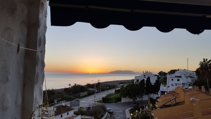 Right at the beach with sunset view - Vélez-Málaga - Apartment