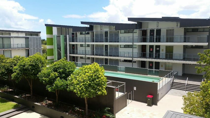 Self Contained 1 bed  apartment - Townsville City - Apartmen