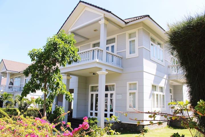 Unique LuxHomes Villa Sea view @ Sealinks City