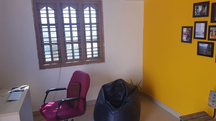 1 BHK between airport and city. - Bengaluru - House