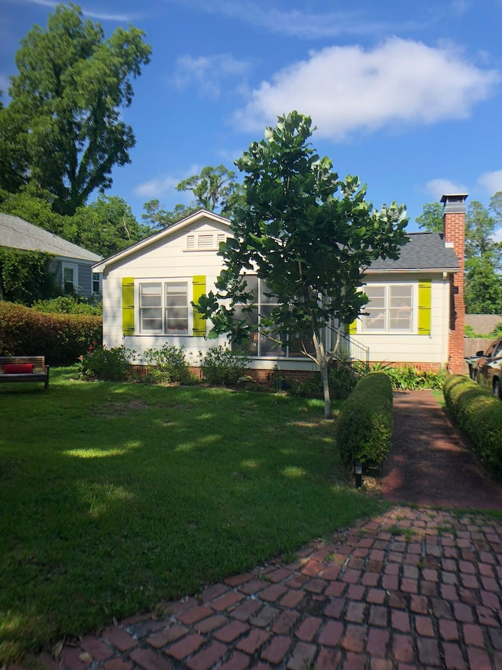 Location! 3/2 Tallahassee Downtown Bungalow (6max)