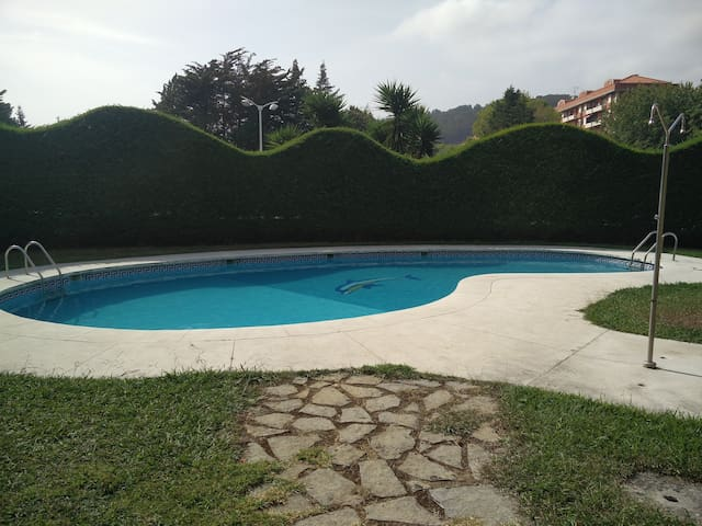 Flat by the beach with swimming pool - Castro Urdiales - Byt