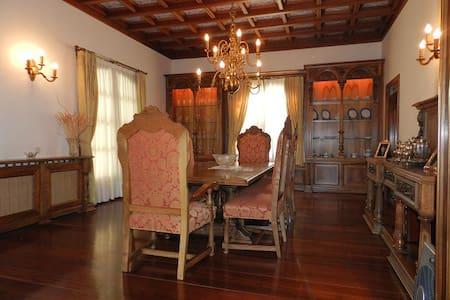 Espectacular Villa en la naturaleza - Campiña de Guadalajara