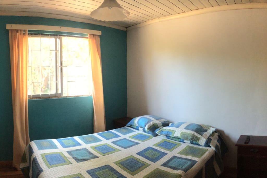 Habitaci n en casa compartida maisons louer con con for Habitacion ambiente familiar