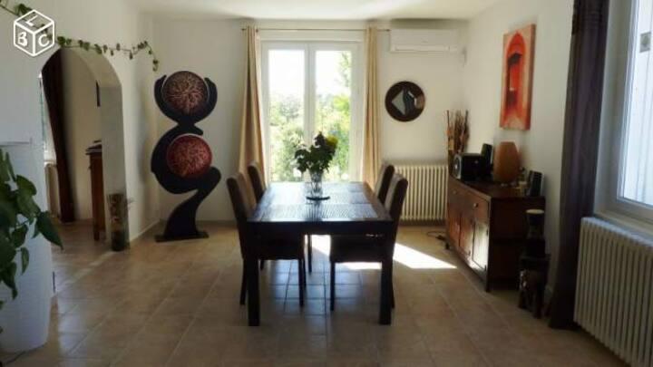 Charmante maison pour les amoureux de la Provence