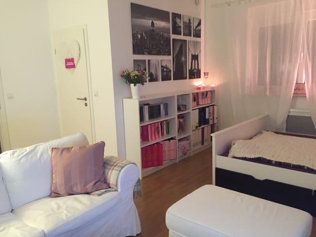 Gemütliche Wohnung am Airport - Kelsterbach - Wohnung