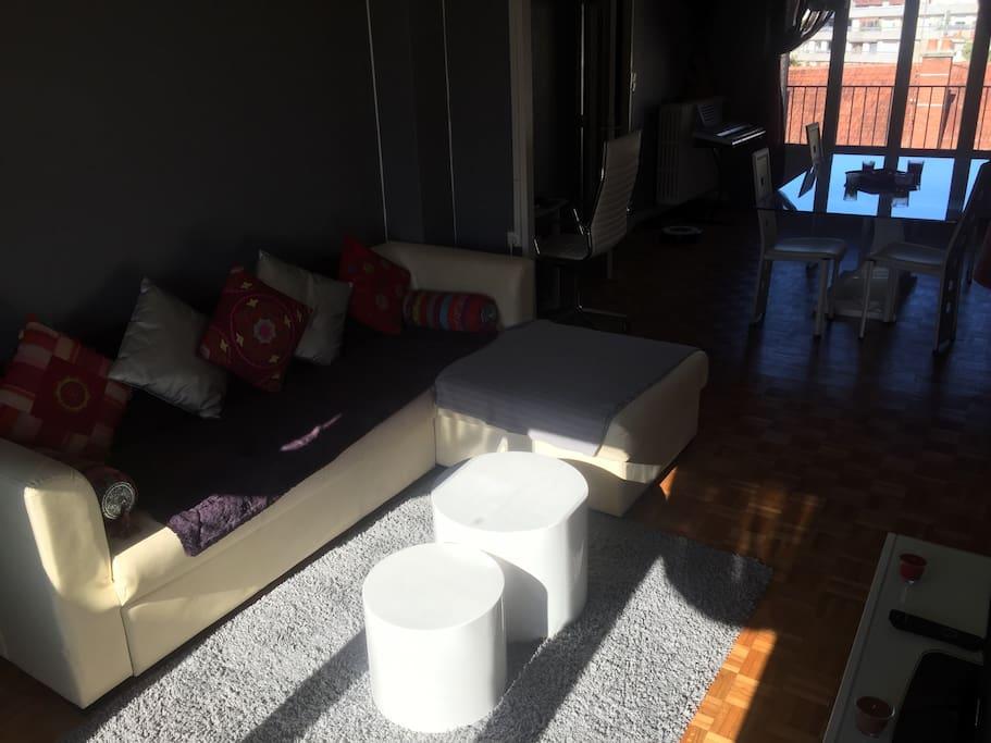 un canapé lit particulièrement confortable