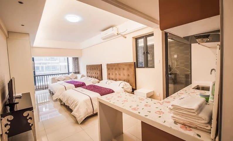 希尔顿国际公寓豪华雅致双床房【河源市坚基商业中心】