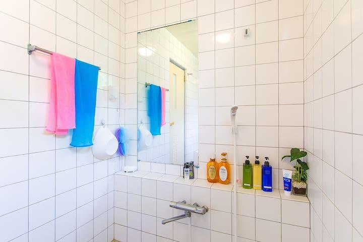 シャワー 共用