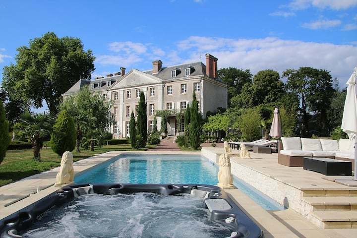 French Chateau, Loire Valley...Live like Royalty