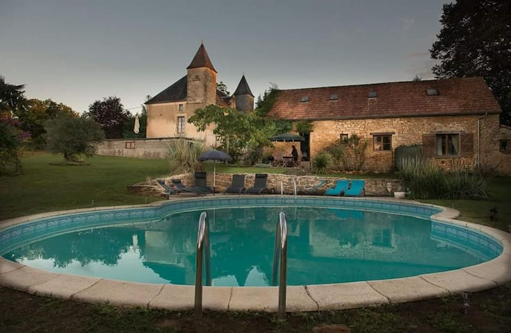 Daisy Gite, Chateau Des Etoiles - Gourdon - Apartment