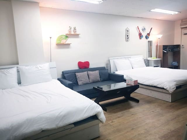 ♡Big room♡ smile house 2 :)  seoul station 3min.