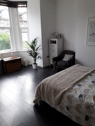 Beautiful room & private bathroom Alexandra Palace
