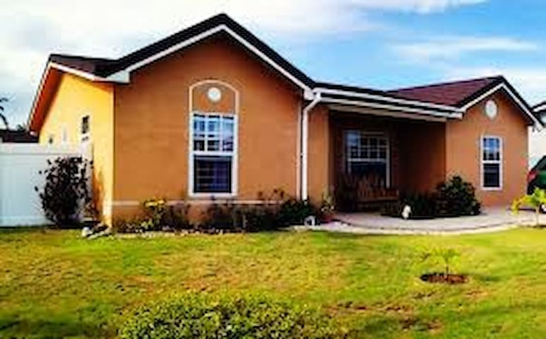 Family Home in Prestige gated community in Jamaica - Portmore