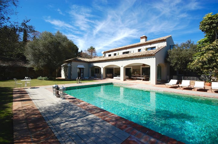 Private Luxurious Villa Sotogrande