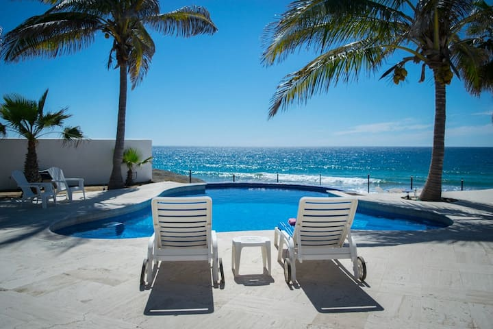 PARADISE- Ocean front private villa with pool!