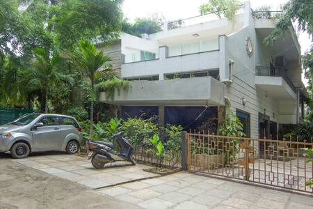 Well appointed room - Koregaon Park - Pune