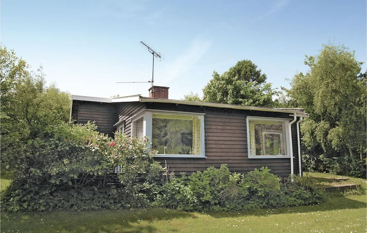 Holiday cottage with 3 bedrooms on 68m² in Vejby