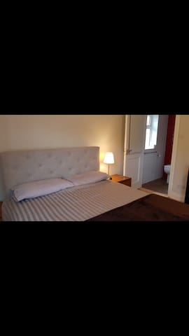 King Bedroom with ensuite, large room with lounge