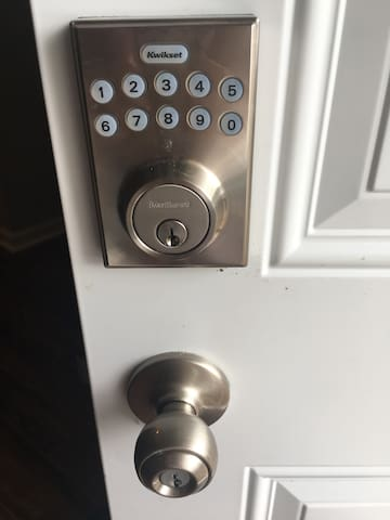 Keyless entry on private entrance to 221 sq ft studio. New solar panels installed recently for an eco-friendly experience.