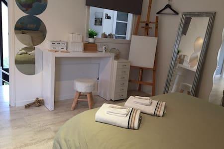 Chambre/villa design avec PetitDéj. - Saint-Aubin - Aamiaismajoitus