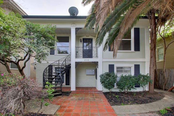 Historic Apartment #D - Sacramento - Apartment