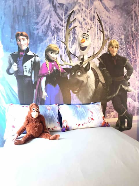 Chambre au calme aux pieds de Disney et du RER