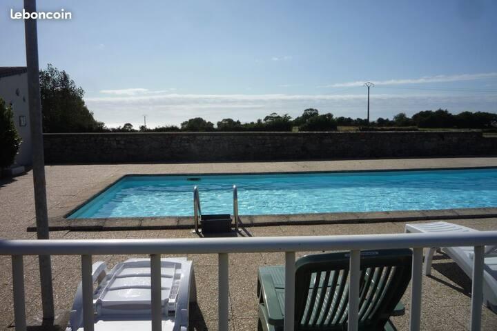 Maison de charme bord de mer av piscine partagée