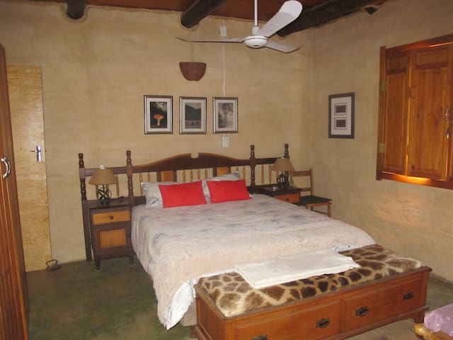 Room In Country Home. - Hluhluwe