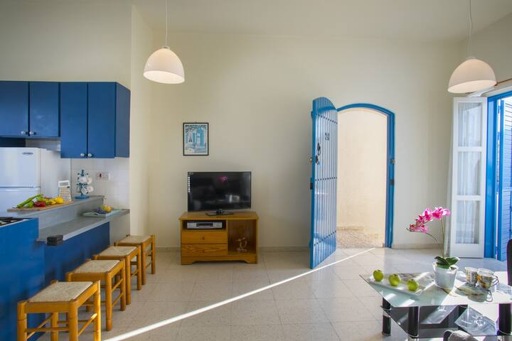 Cobalt Suite, near to the center of Protaras, WiFi