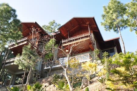 The Hermitage: Emerald Villa - Kasauli