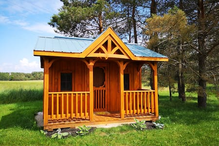 Munro Glamping Bunkie, Hepworth, 3 Wooded Acres