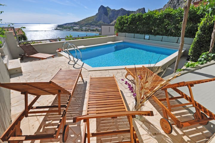 Seaview Holiday House in Omiš