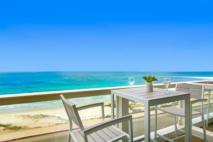 25% OFF AUG - Prime Oceanfront 2 Bedroom Single Story Beach Home