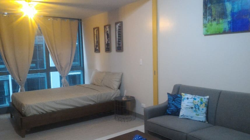 Convenient 1BR! One Uptown-Grand Hyatt-BGC-WiFi!