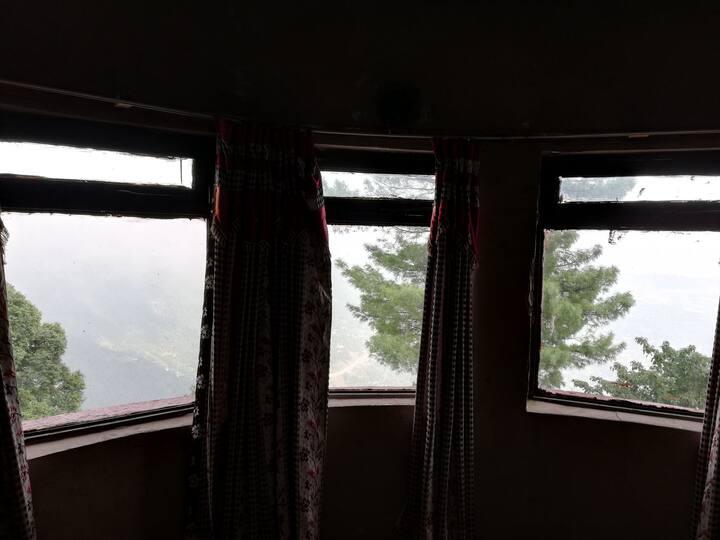 Spacious Bedroom facing Terrace & Mountain view 15
