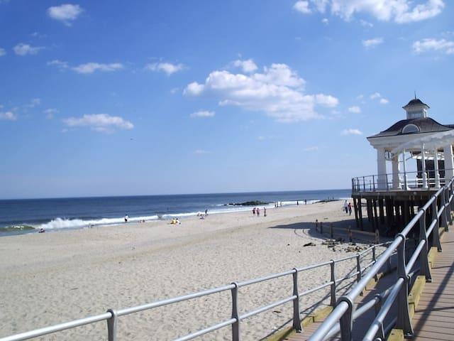 Beach, Racetrack and Restaurants!